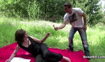 Вчить незайманого хлопчика як ебать маму і тітку завантажити порно на телефон
