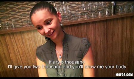 Милашка ім'я російський секс порно Лола грає з нею позує в спальні