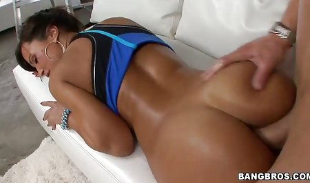 Гарні російське домашнє порно відео чеські тіло дівчини